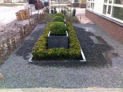 Grind In Tuin : Kleine tuin met grind en gras aanleggen tuintuin